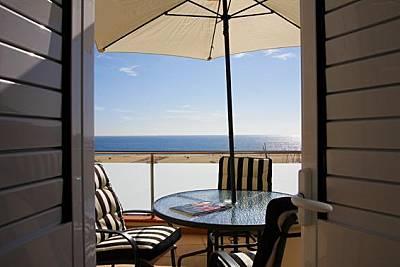 3 Apartamentos en 1a línea de playa Barcelona