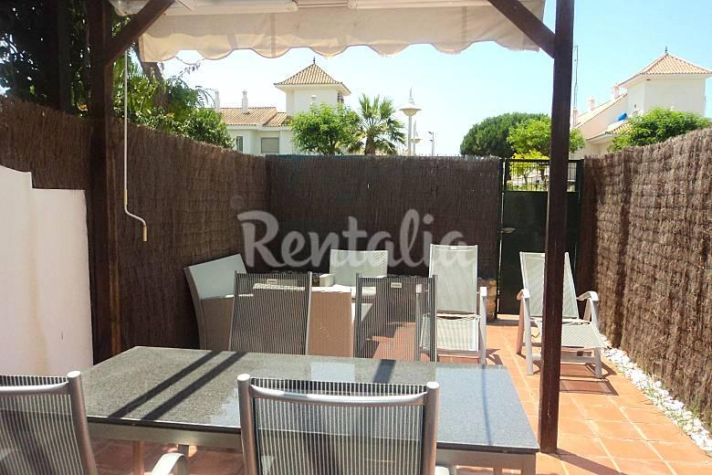 Chalet adosado 3 dormitorios wifi piscina padel nuevo for Piscinas picornell padel