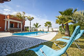 Villa with Pool and Lush Garden Lecce