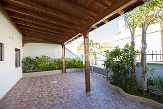Spacious Seaside Villa Lecce
