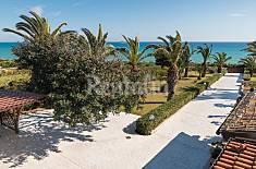 Barbara, villa located 20 m from the sea Ragusa