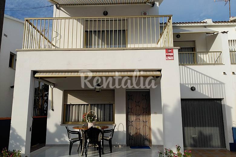 Casa para 6 personas a 150 m de la playa vinar s for Toldos valls vinaros