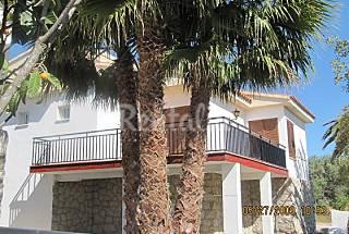 chalet con piscina y conexión internet gratuita. Castellón