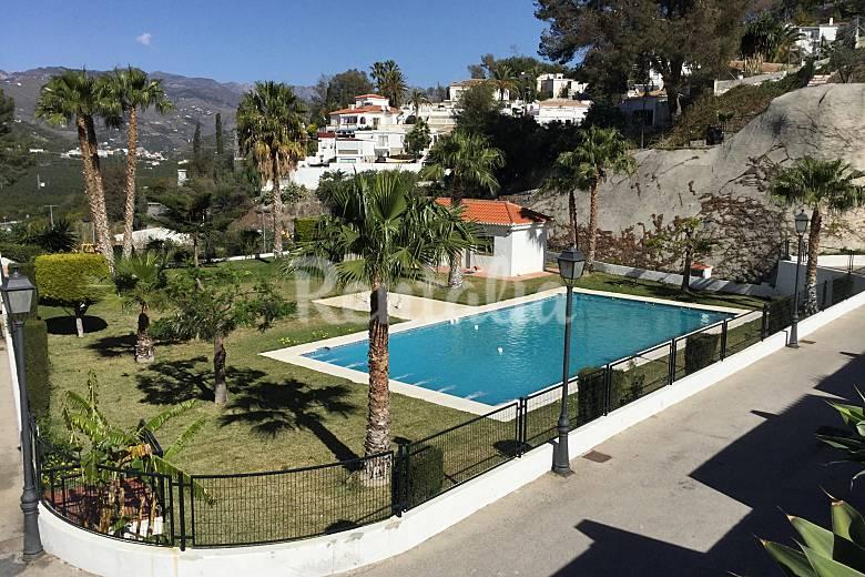 Casa climatizada con piscina y wifi cerca playa for Apartamentos con piscina y playa