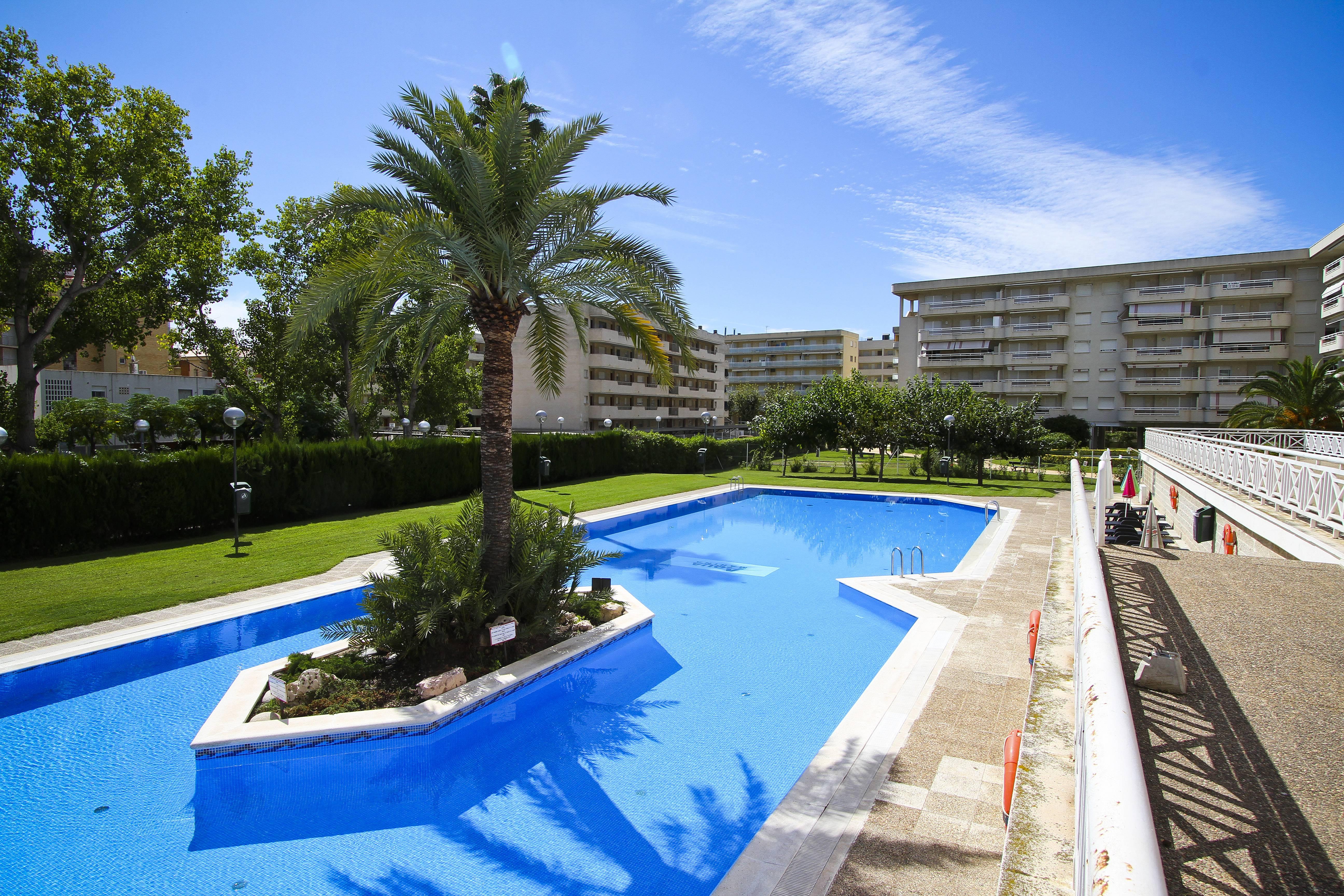 app calme avec piscine 100m plage turismar la On piscines vila seca