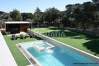 Espectacular casa de diseño a 3 minutos en coche Girona/Gerona