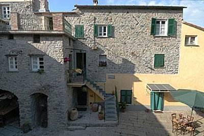 Casa vacanze, composta da 5 appartamenti La Spezia