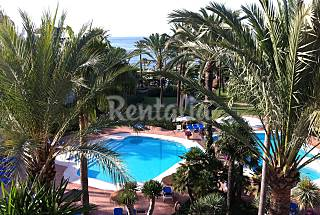 Apartment with 3 bedrooms on the beach front line Málaga