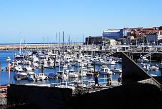 Apto. 2 hab y 2 baños. Puerto Deportivo Asturias