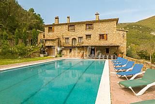 Masía de 11 habitaciones con gran jardín y piscina Girona/Gerona