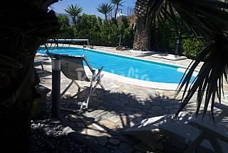 Villa zur Vermeitung, 1000 Meter bis zum Strand Reggio Calabria