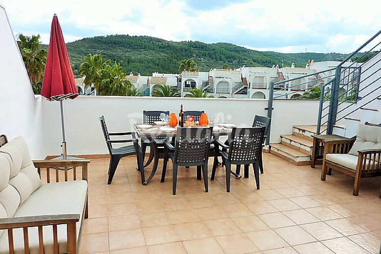 Atico terraza vistas mar monta a y piscina font nova pe scola castell n castell n - Piscina terraza atico ...