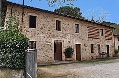Porzione di Rustico con giardino privato. Lucca