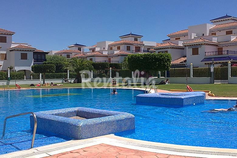 Vera apartamento con piscina vera playa vera almer a for Piscinas almeria