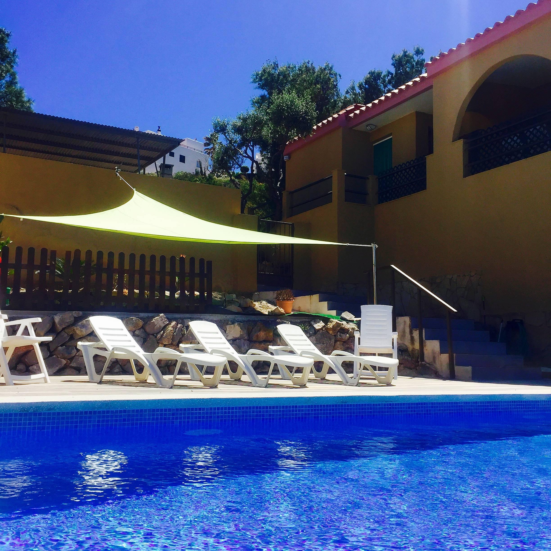 Villa con piscina privada pe scola castell n for Piscinas castellon