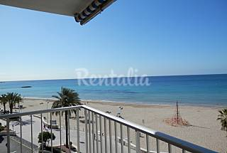 Apartment for 4-5 people on the beach front line Alicante