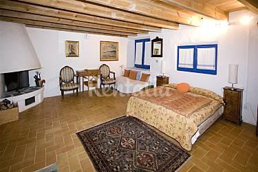 Casa en alquiler a 300 m de la playa cadaqu s girona - Casas rurales cadaques ...
