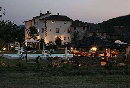 Case Toscane Arezzo : Vendita colonica castelfocognano arezzo case in toscana