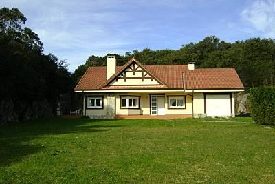 Villa de 3 habitaciones a 250 m de la playa Cantabria