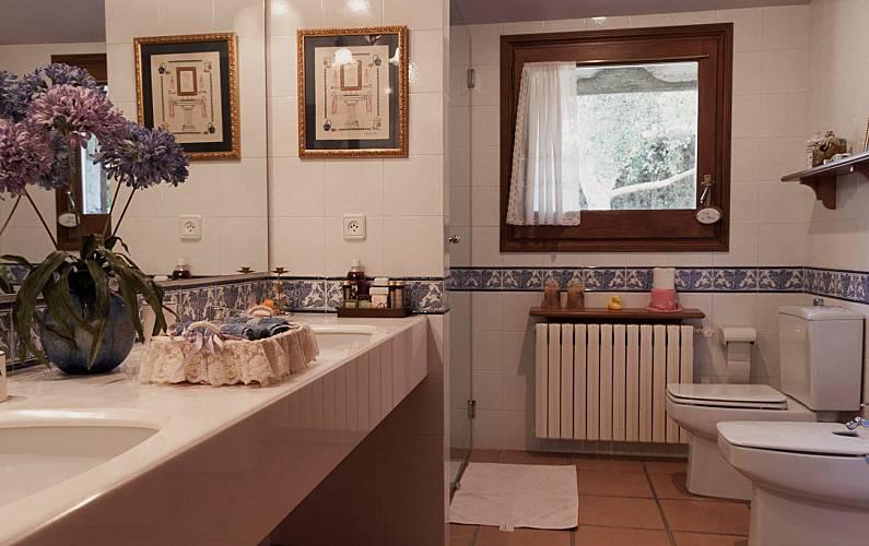 Villa Baño Barcelona Seva Villa en entorno rural - Baño
