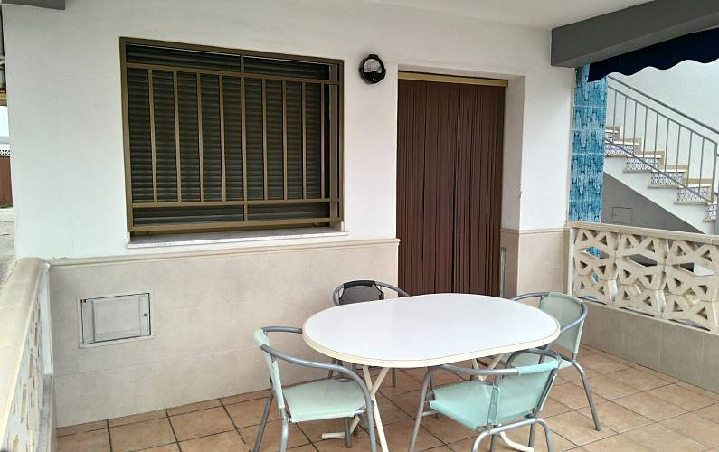 appartement pour 4 personnes 50 m de la plage oliva playa oliva valence. Black Bedroom Furniture Sets. Home Design Ideas