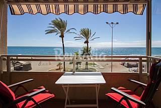 2 bonitos estudios a primera línea de playa Málaga