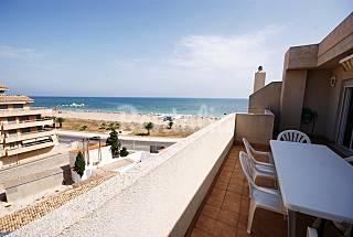 Ático de 3 habitaciones  primera línea del mar Alicante