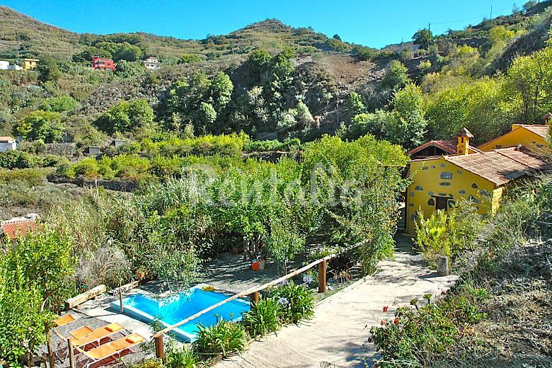 Preciosa casa de campo con piscina privada madrelagua for Casas rurales en gran canaria con piscina privada