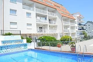 27 Apartments for 4-6 people only 300 meters from the beach Pontevedra