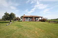 Villa with 2 bedrooms 3 km from the beach Viterbo