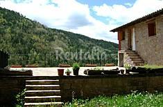 saniertes Haus in 3 Wohn. Unterteilt Huesca