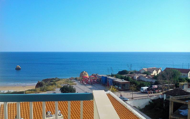 Apartment for 2-4 people only 50 meters from the beach Algarve-Faro -
