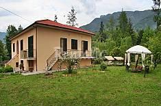 Campagna di Camaiore.Villetta con giardino privato Lucca