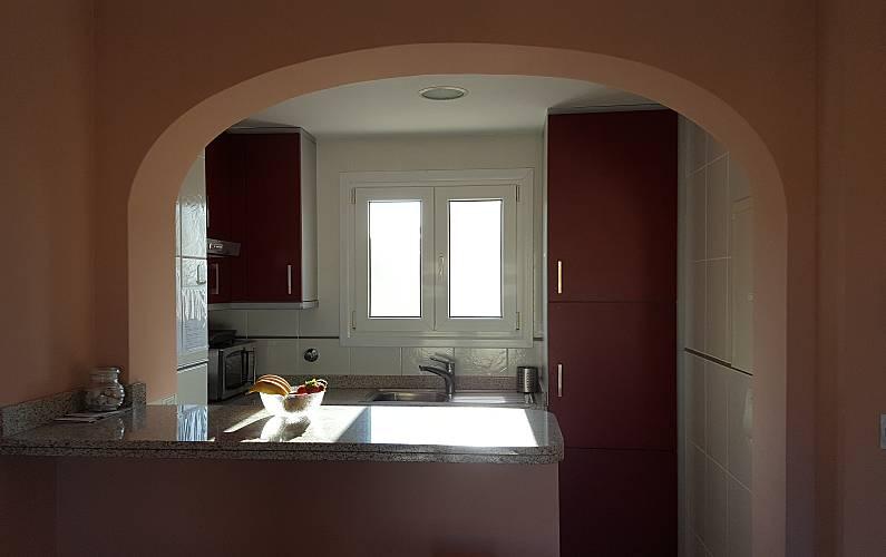Apartamento para 4 personas a 300 m de la playa oliva for Muebles oliva