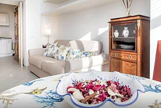 apartment central Naples