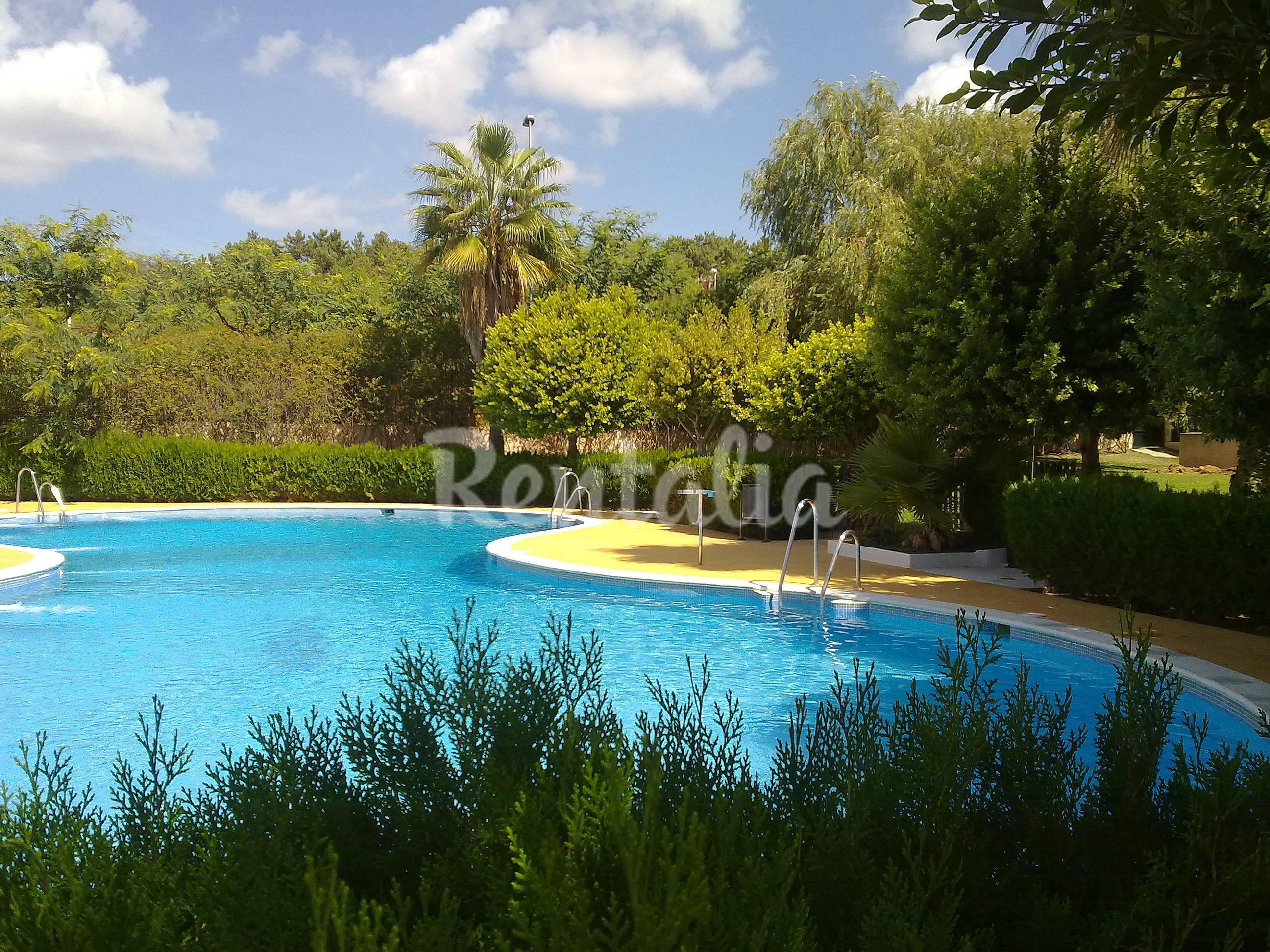Apartamento para 2 4 personas a 150 m de la playa - Rentalia islantilla ...