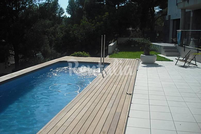 Villa de lujo 4 habitaciones a 5 km de la playa for Piscina benicassim