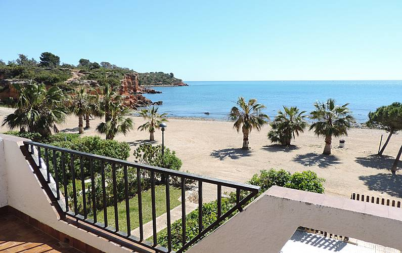 Seafront villa with direct access to the beach! - L' Ampolla