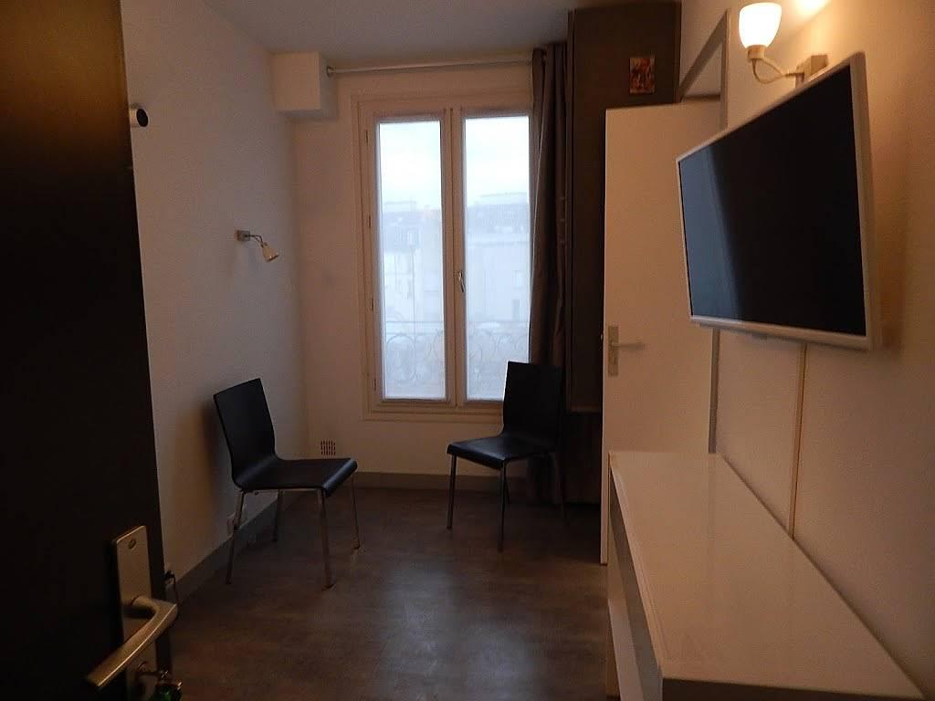 wohnung f r 2 personen in paris paris 10e paris paris. Black Bedroom Furniture Sets. Home Design Ideas