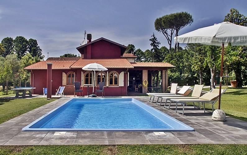 Elegante Villa Singola Con Giardino E Piscina Lido Di Camaiore Camaiore Lucca Versilia