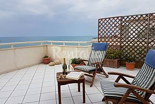 Apartment for 4-6 people on the beach front line Ragusa