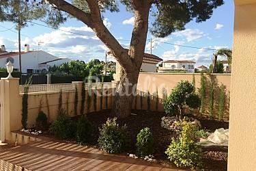 Casa de 3 habitaciones a 800 m de la playa miami playa for Apartamentos jardin playa larga tarragona