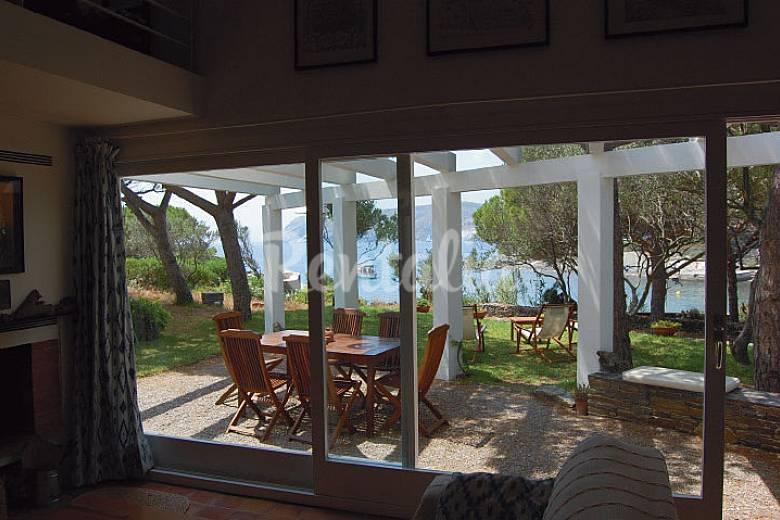 Casa para 8 personas en 1a l nea de playa cadaqu s - Casas rurales cadaques ...