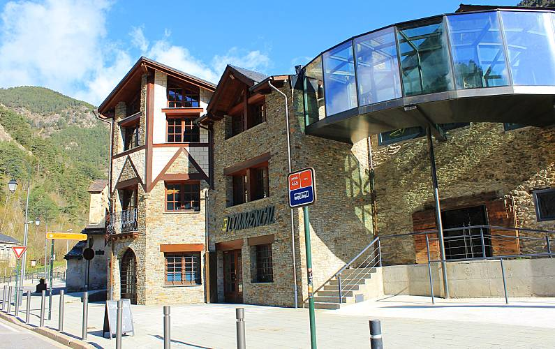 6 Apartments for 2-8 people Pal Arinsal - Environment