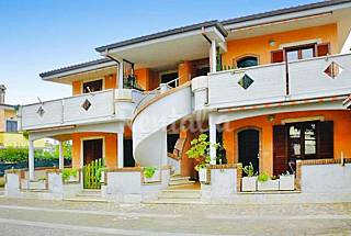 House for 2-6 people only 1000 meters from the beach Rome