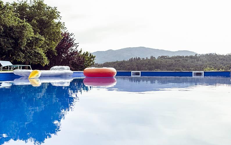 Casa de Campo com piscina 8-9 pessoas a 12km praia Viana do Castelo - Piscina