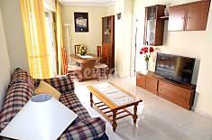 Amplio apartamento, situado cerca de dos playas populares de la ciudad: 150 metros de la playa Del Cura, a 500 metros de Los Locos. Alicante