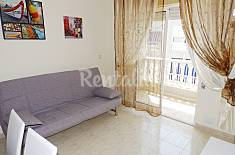 Se alquila apartamento de dos habitaciones en un con una piscina y cerca de la playa de Los Locos. Alicante