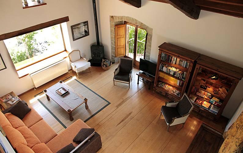 Casa de 6 habitaciones con 4* y jardín privado Soria - Salón