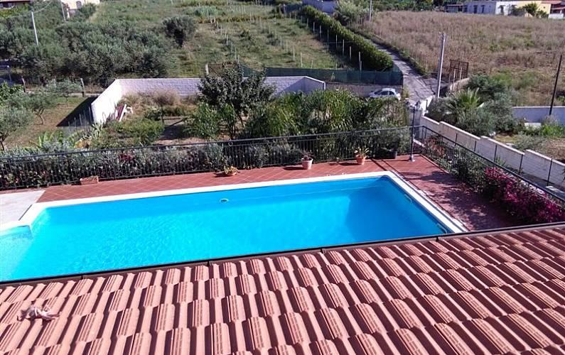 Villa avec piscine balestrate palerme c te sicilienne for Alentour piscine